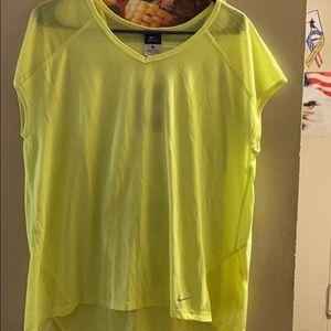 Women's stay dry sleeveless shirt